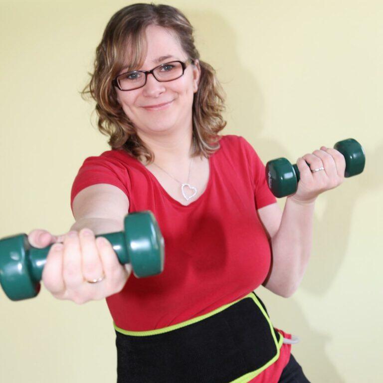 Schlanke Figur mit Slim Belly und Hantel Training